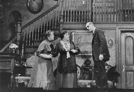 An analysis of the play arsenic and old lace